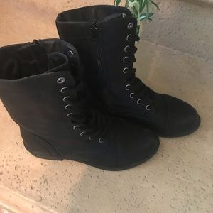 BOGO Faded Glory Black faux leather boots lace up6